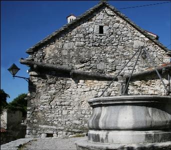 Sloveniaholidays in visita for Case di pietra del paese della collina del texas