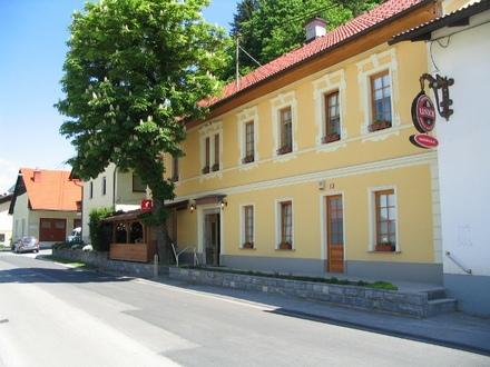 Grebenčeva klet bar, Brezovica pri Ljubljani