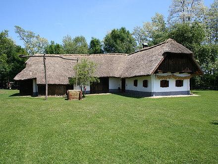 Dominkova domačija, Maribor in Pohorje z okolico