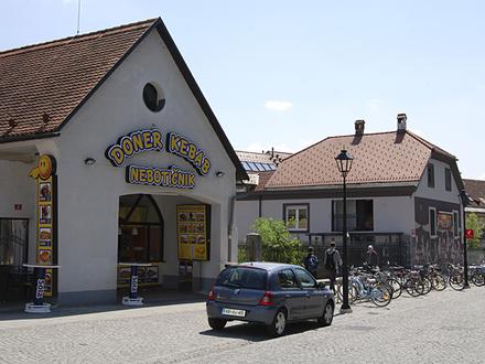 Snack bar Doner Kebab Nebotičnik Kranj, Julian Alps