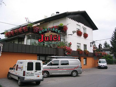 Restaurant and pizzeria Julči, Ljubljana and its Surroundings