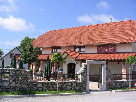 Gostilna, picerija in špageterija Kašča Mrlačnik, Ljubljana z okolico