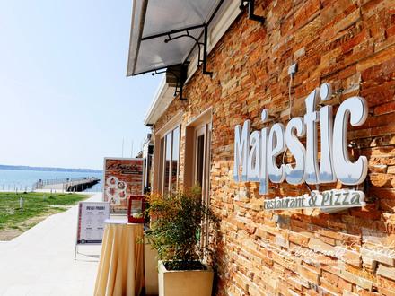 Mediterraner Restaurant Majestic, Küste