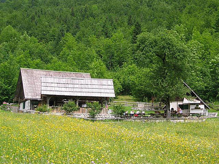 Erfrischungsstube Slap Voje, Die Julischen Alpe
