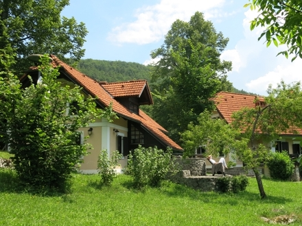 Posestvo Gradenc – počitniška hiša Žužemberk, Dolenjska