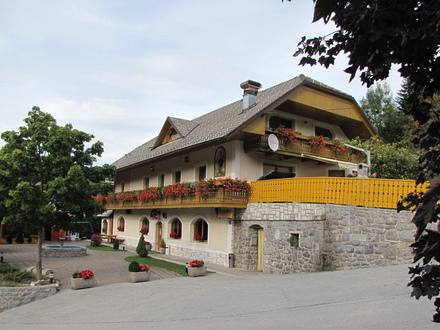 Pernotti Kveder, Alpi Giulie