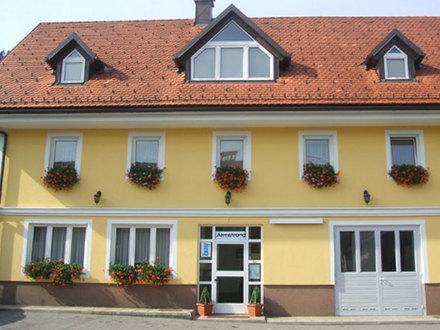 Zimmer Štravs, Dolenjska