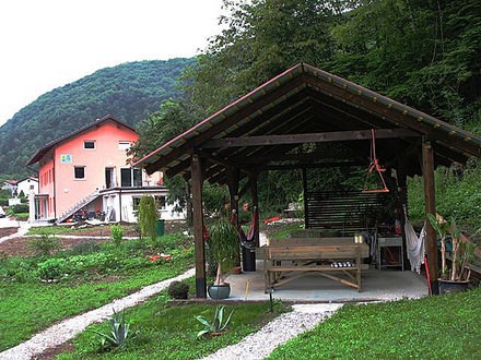 Fly zone rooms, Tolmin