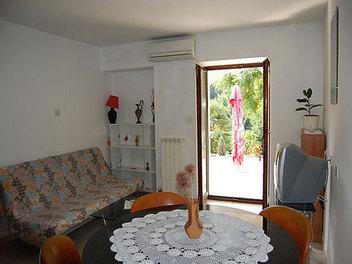 Apartma Lili za 5 oseb +2