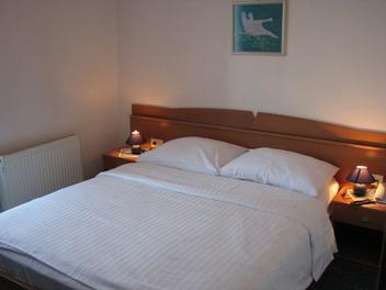 Hotel Bellevue , Alpi Giulie