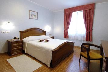 Hotel Marko, Obala
