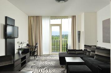 Lambergh, Château & Hotel, Alpi Giulie