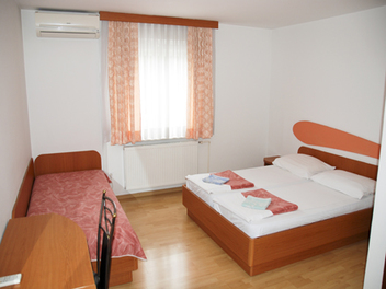 Accommodation – rooms Koprivec in center of Ljubljana, Ljubljana and its Surroundings