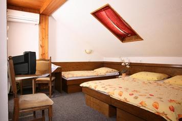 Rooms pri Ančki, Ljubljana and its Surroundings