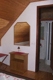 Štravs rooms, Dolenjska